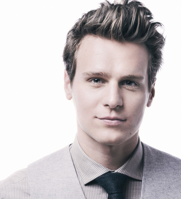 jonathan groff - photo #14
